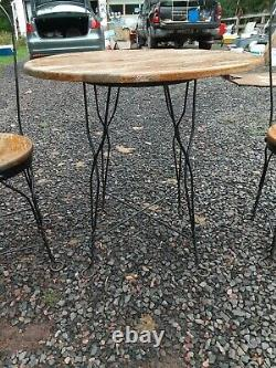 VINTAGE ICE CREAM PARLOR SET Twisted IRON OAK TABLE AND 4 CHAIRS